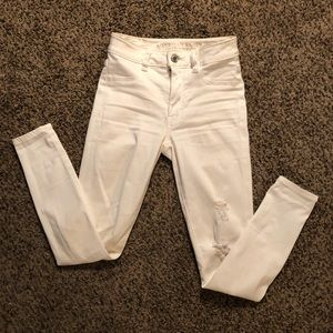 American Eagle-hi rise destructed jegging